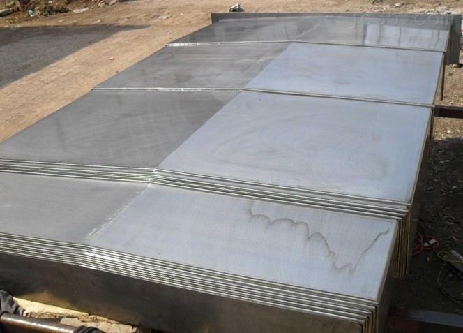 伸缩式不锈钢板机床防护罩