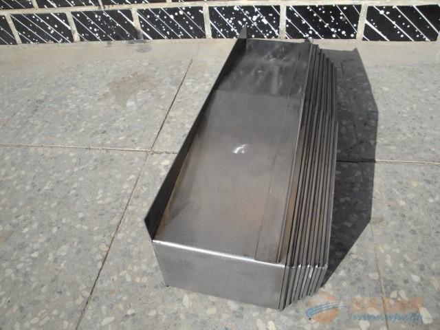 机床钢板伸缩防护罩产品图