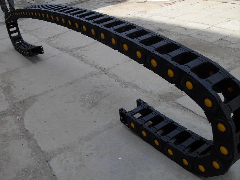 机床重载型塑料拖链产品图