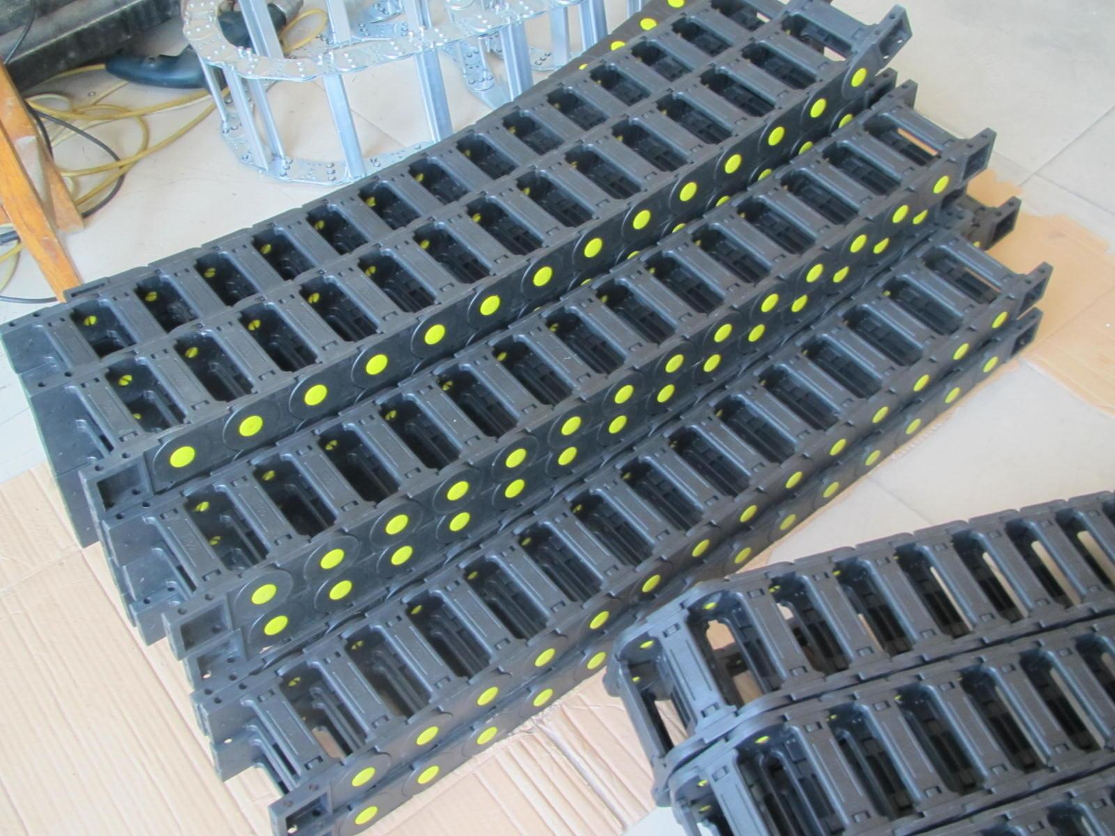 耐磨线缆尼龙塑料拖链产品图