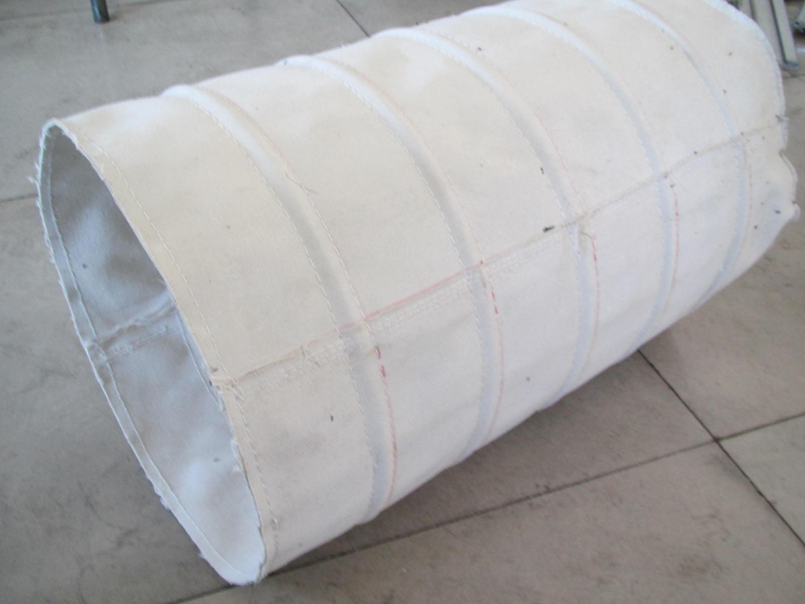 洛阳加厚型水泥伸缩布袋产品图