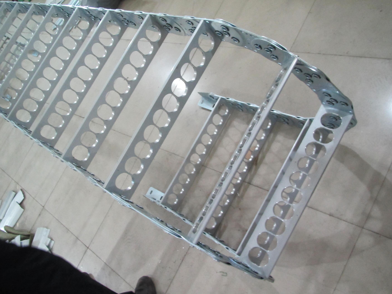 护线钢铝拖链产品图